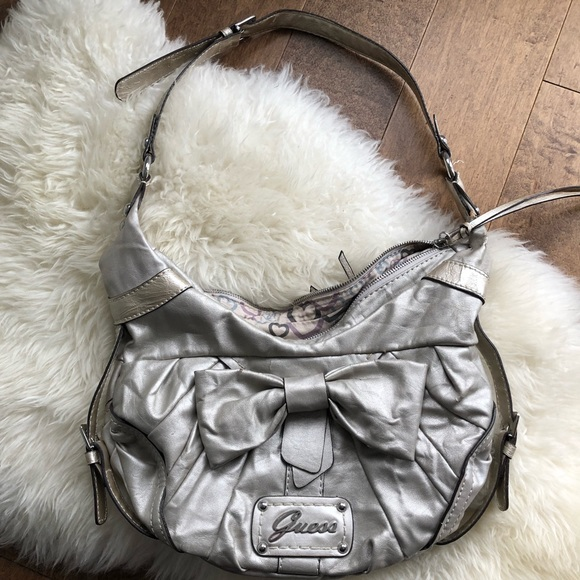 🤍SALE🤍Large Vintage Guess Bag